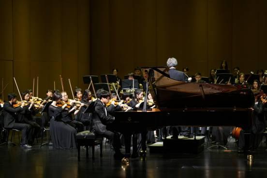 """苏州大学交响乐团""""浪漫俄罗斯""""专场音乐会 - 毛川 - 清 曲 琴 远   提 琴"""
